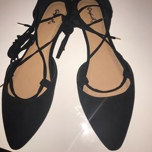 Pointy tip lace up flats!